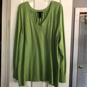 Green long sleeve pull over sweater